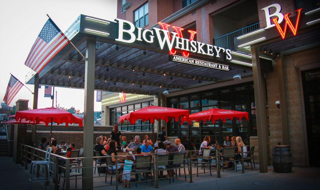 bigwhiskeys_patio_405