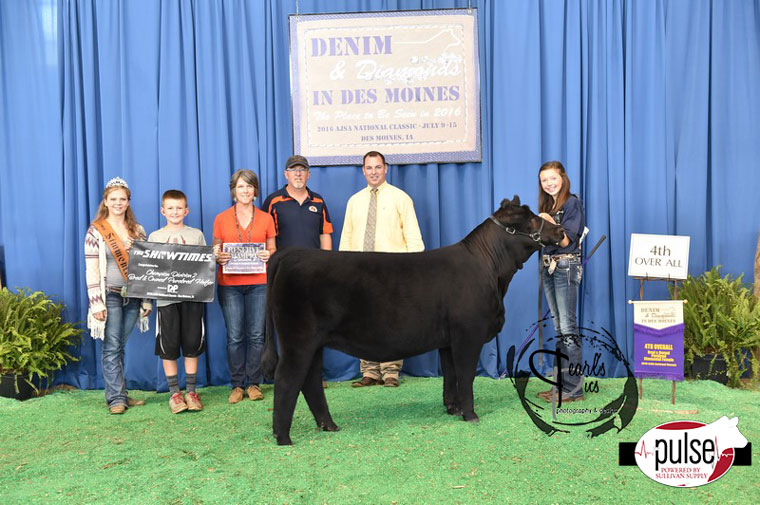 2016-AJSA-4th-Overall-Bred_Owned-Purebred-Heifer_-Champion-Division-2-exhibited-by-Emerson-Tarr-PPW6167